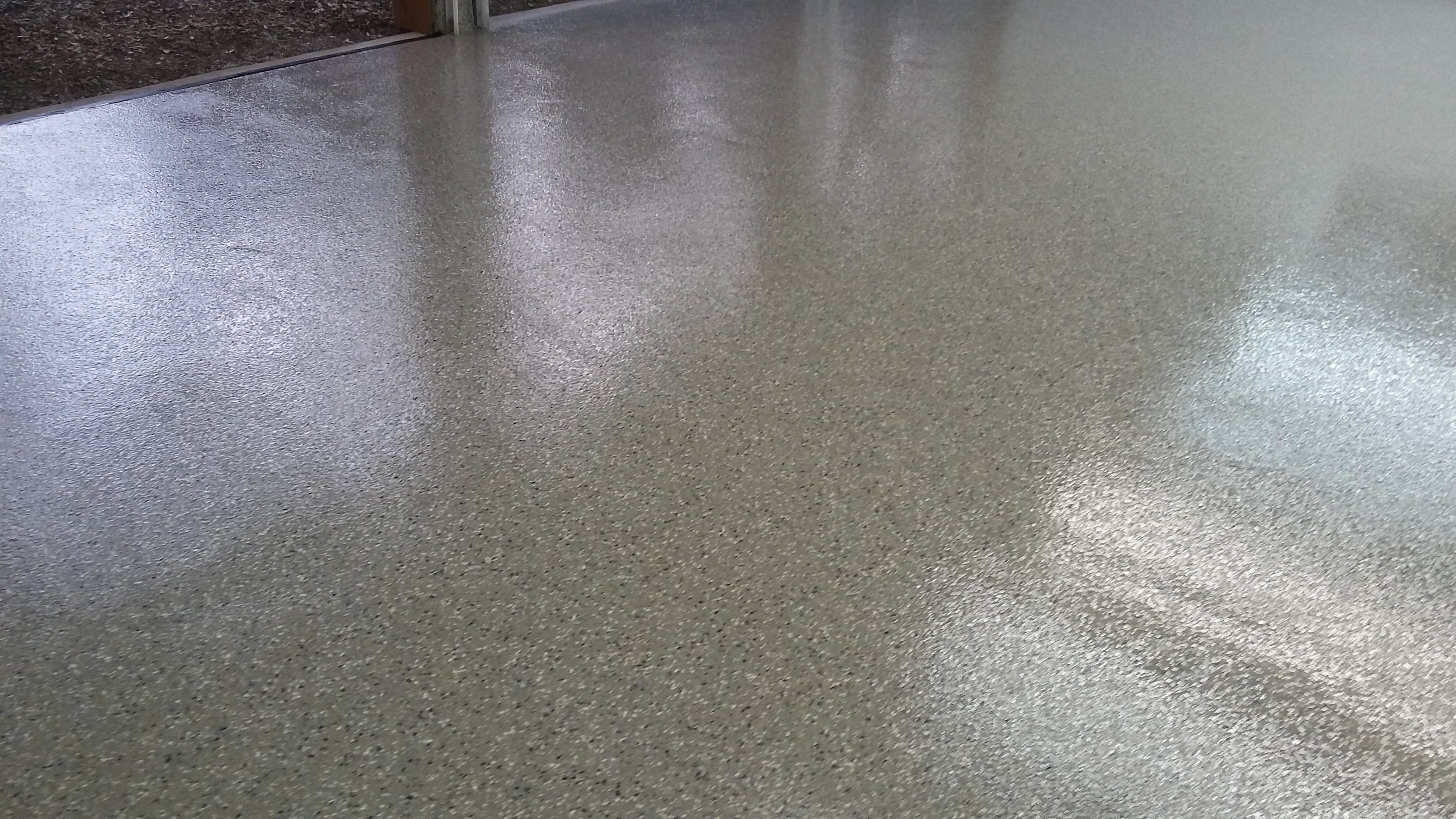 Earth Flake garage floor system ca-resurfacing.com